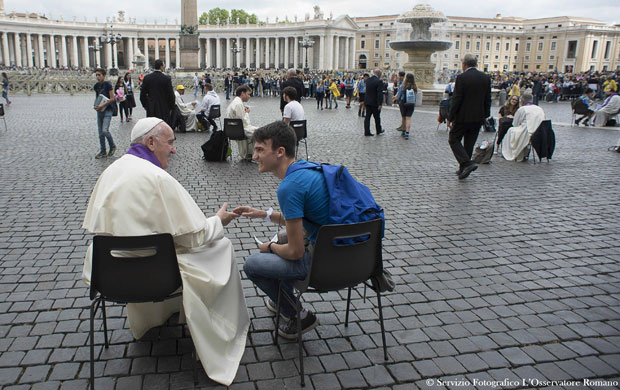 20160425T0917-2908-CNS-POPE-JUBILEE-TEENS