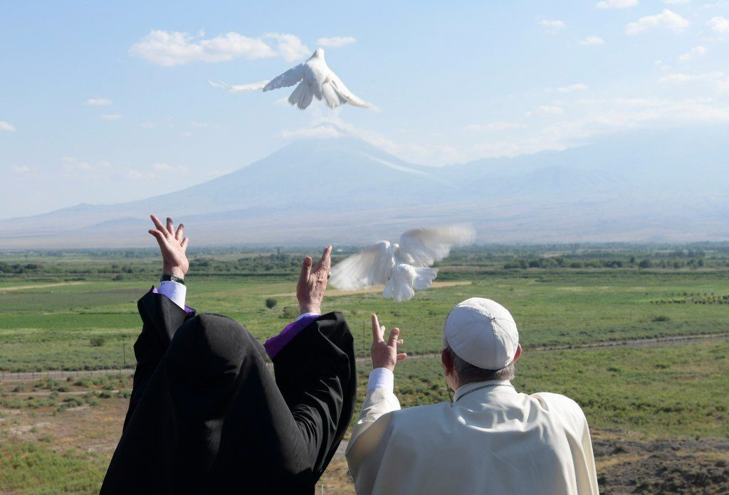 Pope Francis and releasing doves