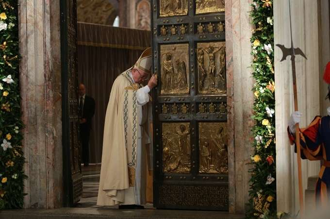 Pope Francis closes the Holy Doors at the Vatican on Sunday, November 20th - Feast of Christ the King, Daniel Ibaez (CNA)